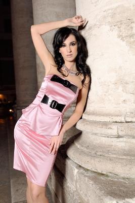 Kolekcja Mona: różowa sukienka