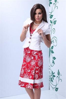 Kolekcja Pretty One: sukienka czerwona i biały żakiet