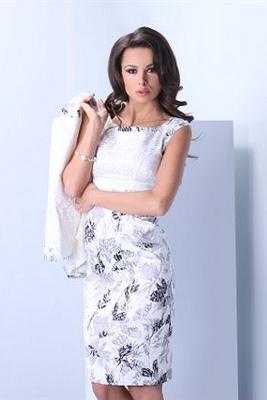 Kolekcja Pretty One: sukienka biała w szare kwiaty